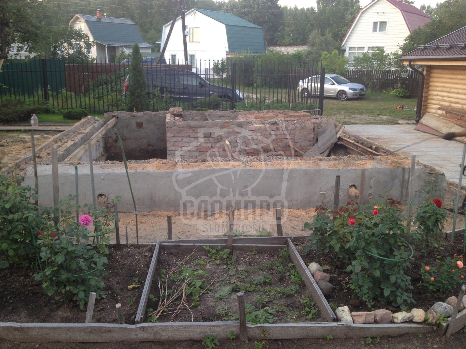 Фундамент после демонтажа деревянного дома в Ногинском районе