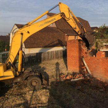 Демонтаж кирпичного дома
