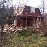 Разбираем крышу и стены каркасного дома