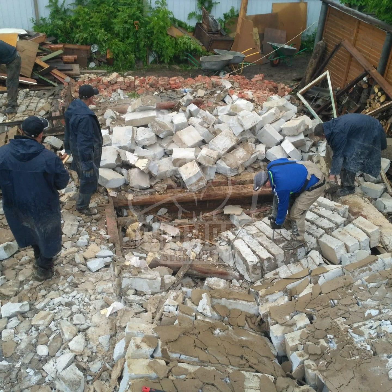Демонтаж каменного дома