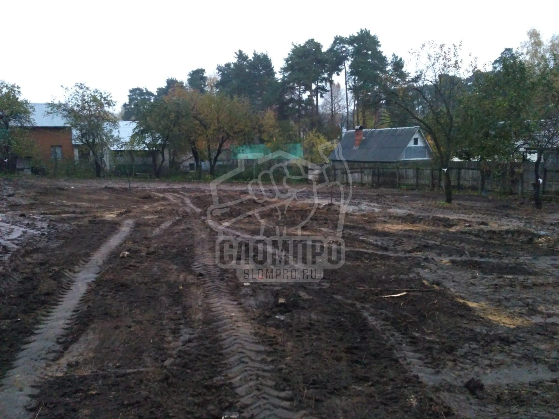 Выравнивание территории после демонтажа кирпичного дома