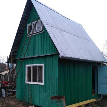 деревянный домик до проведения демонтажных работ