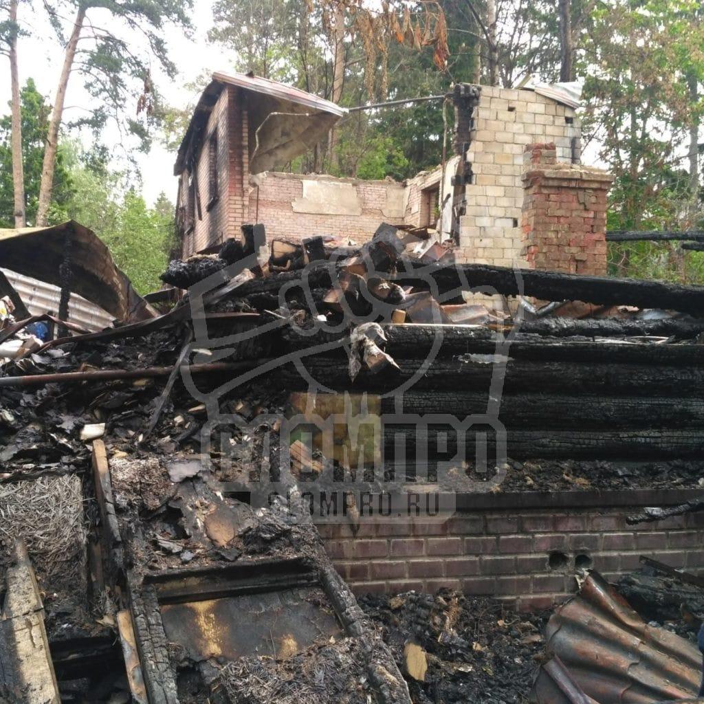 Демонтаж кирпичного дома после пожара