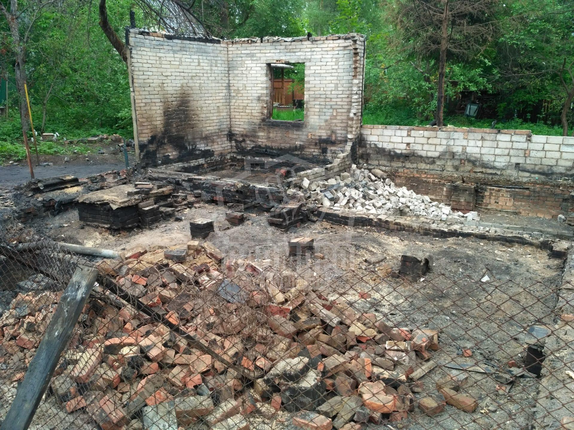 Состояние кирпичного строения после пожара