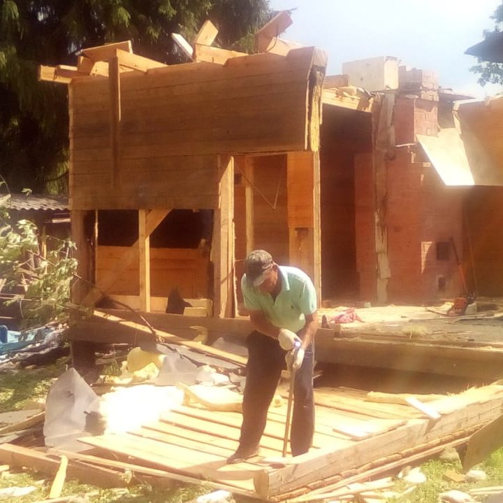 Демонтаж каркасного дома