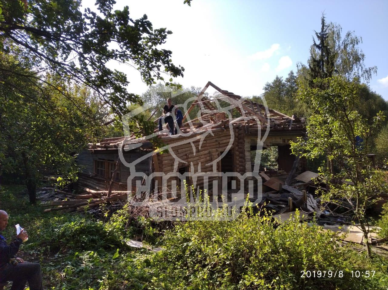 Демонтаж бревенчатого дома
