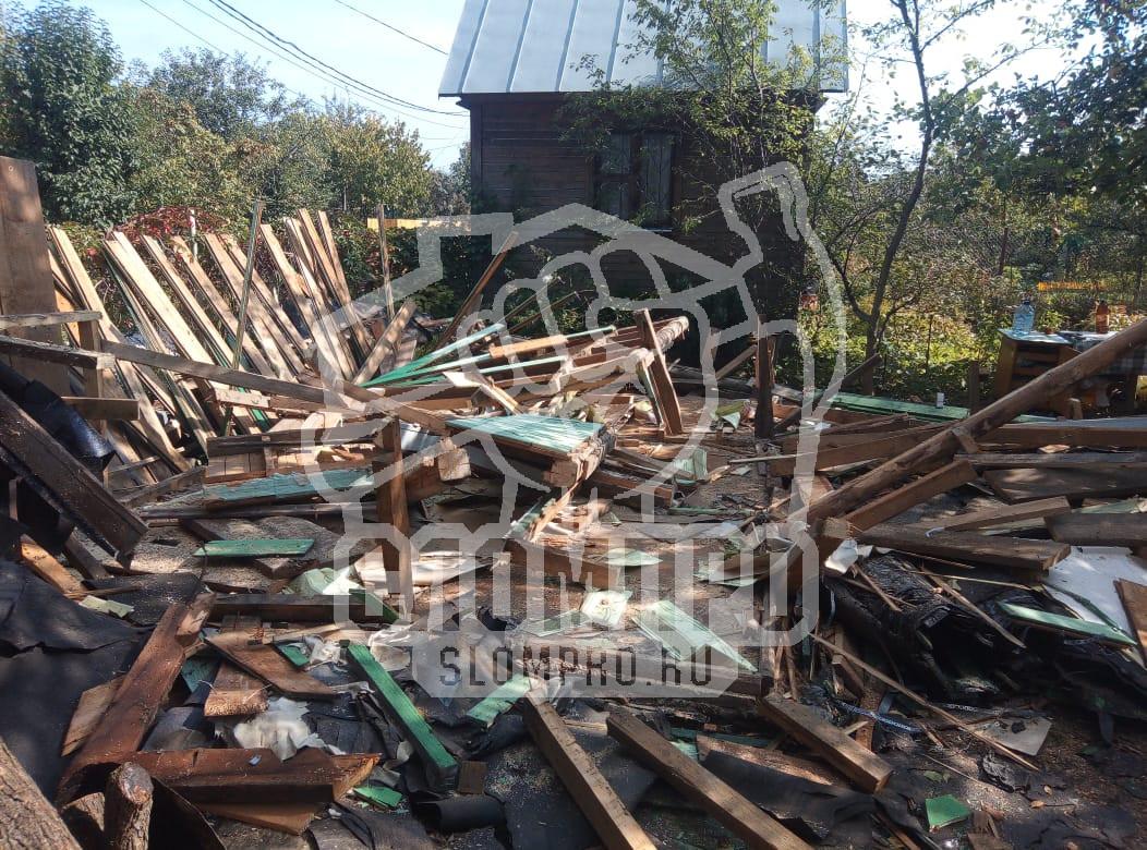 Процесс разборки каркасного дома. Демонтаж стен.