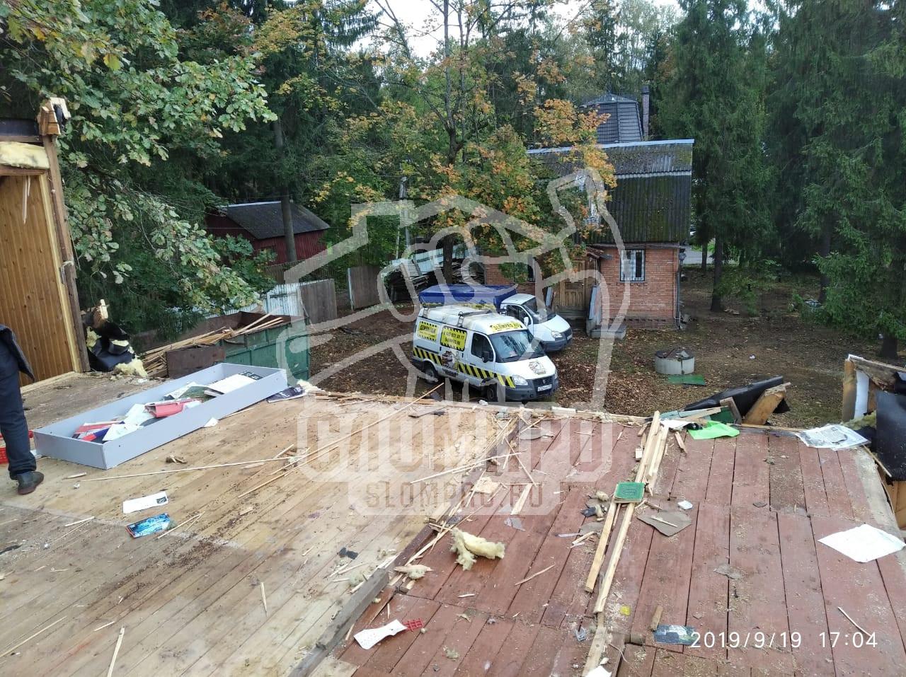 Сносим второй этаж деревянного дома