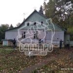 Начало демонтажа деревянного дома