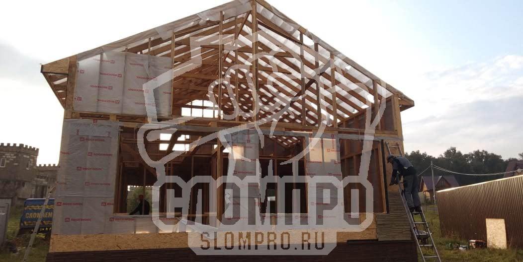 Каркасный дом в процессе демонтажа