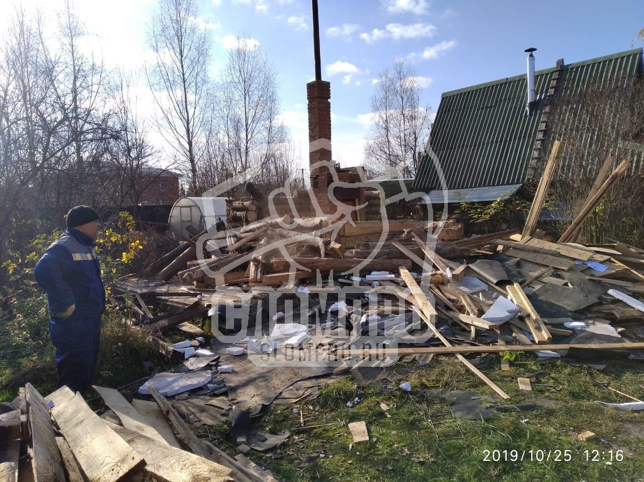 Наглядный процесс демонтажа здания